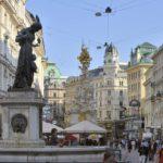 Wiener Graben mit Josefsbrunnen und Pestsäule (1. Bezirk) © Schaub-Lorenz